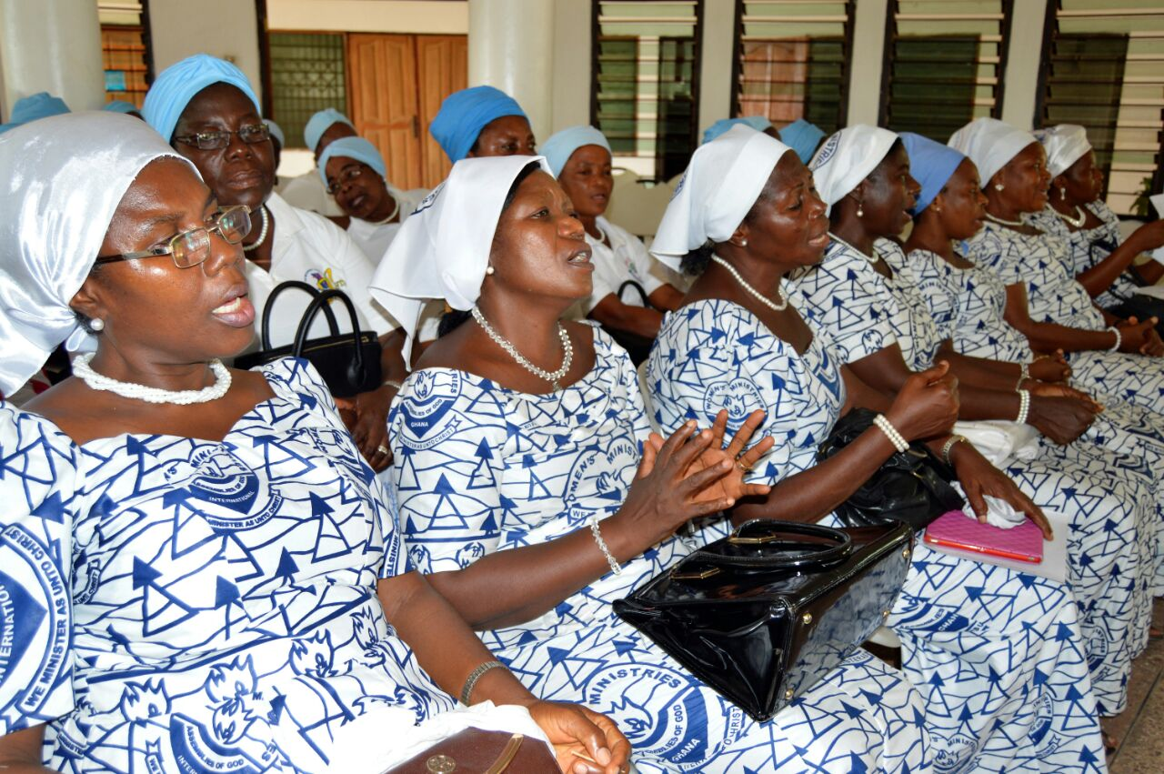 Presbyterian women from Madina sing during conference (2)
